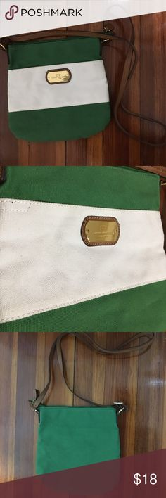 Tommy Hilfiger Crossbody Green and white crossbody bag from Tommy Hilfiger. Gently used condition. Please look at pictures closely. Tommy Hilfiger Bags Crossbody Bags