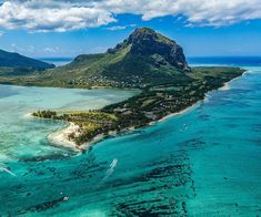 Mauritius has introduced a new Premium Visa, valid for a period of one year and renewable. This measure was announced by the Mauritius cabinet last Friday to encourage eligible visitors come to Mauritius for long stays. Meanwhile, the highest sanitary standards and protocols are being maintained to ensure the sanitary safety of visitors as well […] The post New Premium Visa for Mauritius appeared first on A Luxury Travel Blog.