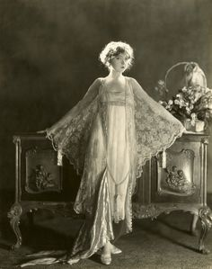 Net Photo: Lillian Gish: Image ID: . Pic of Lillian Gish - Latest Lillian Gish Image. Old Hollywood Glamour, Vintage Glamour, Vintage Hollywood, Vintage Beauty, Classic Hollywood, Vintage Ladies, Hollywood Style, Mode Vintage, Belle Epoque