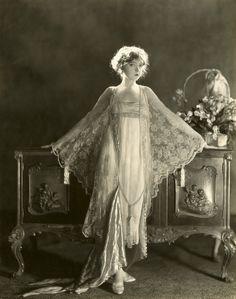 The beginning of the Hollywood era – CNN Photos - CNN.com Blogs- Lillian Gish in 1925