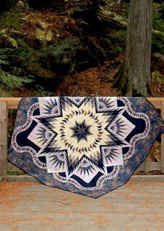 Quilt Gallery's Glacier Star in Glacier Park! Quilting Board, Quilting Ideas, Quilting Designs, Quilt Patterns, Lone Star Quilt, Star Quilts, Quilt Blocks, Flathead Lake, Glacier Park