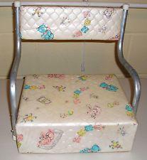 Vintage booster seat Baby Time Capsule, Baby Memories, Childhood Memories, Vintage High Chairs, Baby Furniture, Retro Furniture, Retro Baby, Nursery Crib, Vintage Toys