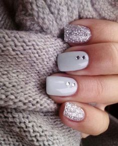 Winter is coming and I have put together 37 ideas for a festive nail design. In this post, you will find white, black, burgundy, blue, gold, silver, glitter