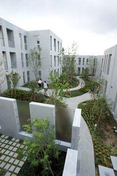 長谷川逸子・建築計画工房 (Itsuko Hasegawa Atelier)による共同住宅「NISHIMAGOME TERRACE COURT」の内覧会に行ってきました。場所は大田区の西馬込。 敷地面積1,800m2、建築面積900m2、延床面積2600m2。30...