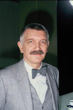 Karl-Heinz von Hassel (* 8. Februar 1939 in Hamburg; † 19. April 2016 ebenda) war ein deutscher Schauspieler