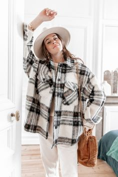 Fall Winter Outfits, Autumn Winter Fashion, Flannel Shirt Outfit, Shirt Jacket, Look Fashion, Fashion Outfits, Street Fashion, Fall Fashion, Next Clothes