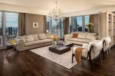Best Paint Colors for Small Living Rooms With Hardwood Floors