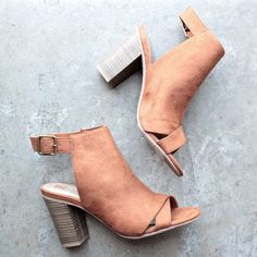 "- Heel height: 3.5"" - Fits true to size - imported"