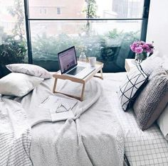 http://weheartit.com/entry/242323008