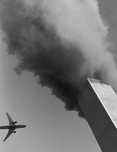 Twin Towers Of The World Trade Center Burn Behind The Empire State Building World Trade Center, Trade Centre, We Will Never Forget, Lest We Forget, Pearl Harbor, Rare Photos, Photos Du, Rare Pictures, Us History