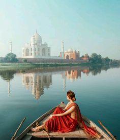 beautiful taj mahal  India , stunning photography!