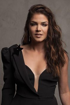 Marie Avgeropoulos Hot, The 100 Show, Beautiful Actresses, Beautiful Celebrities, Celebrity Photos, Celebrity Women, Film, Beautiful Women, Photoshoot