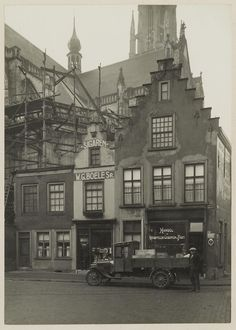 Breda - Grote markt 59-61. 1924 Holland, Dutch, The Neighbourhood, Louvre, Mansions, House Styles, Building, Places, Roots