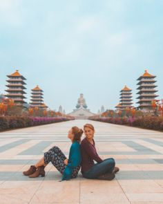 One of Taiwan's most popular tourist-spots is the Fo Guang Shan Buddha Museum in Kaohsiung, Taiwan Taipei Travel, Singapore Travel, Asia Travel, Beach Trip, Vacation Trips, Beach Travel, Dream Vacations, Travel Pose, Road Trip