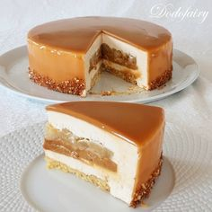 Entremets Pomme Caramel - Dodofairy Best Picture For trifle Desserts For Your Taste You are looking Creative Desserts, Fancy Desserts, Apple Desserts, Sweet Recipes, Cake Recipes, Dessert Recipes, Fancy Cake, Entremet Recipe, Caramel Pudding