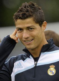 18 Ideen für Ihr Cristiano Ronaldo Haarschnitt Inspiration