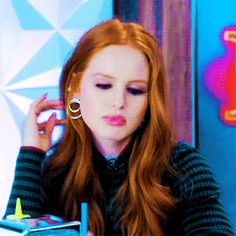 Cheryl Blossom Riverdale, Riverdale Cheryl, Madelaine Petsch, Riverdale Characters, Archie Andrews, Cole Sprouse, Betty Cooper, Imagines, Auburn Hair