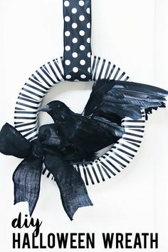 DIY Black and White Halloween Wreath