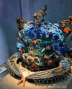 Ming Dynasty Phoenix Crown. This phoenix crown was worn by the Ming Dynasty Empress Xiaoduan. She was the wife of Emperor Wanli who reigned from 1573 to 1620. The enameled crown is decorated with pearls and turquoise.