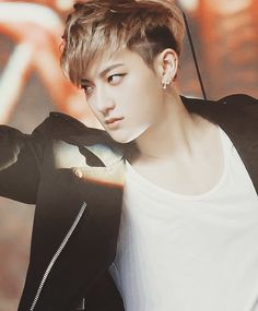 TAO and his gaze!!!!!!!!!!!