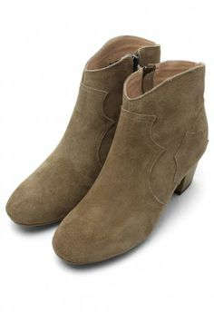 take me to borderline country bar in these