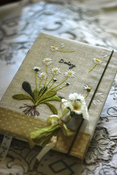 Wonderful Ribbon Embroidery Flowers by Hand Ideas. Enchanting Ribbon Embroidery Flowers by Hand Ideas. Silk Ribbon Embroidery, Diy Embroidery, Embroidery Stitches, Embroidery Patterns, Handmade Notebook, Handmade Books, Daisy Books, Fabric Book Covers, Fabric Journals