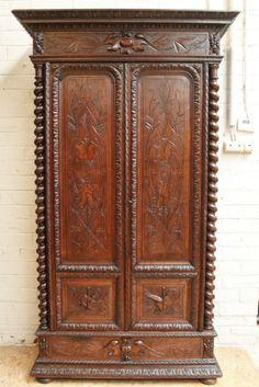 Oak hunt 2 door armoire/bookcase 19th century