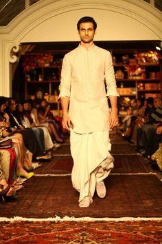 Tradational #Desi Dhoti: Tarun Tahiliani Lakmé Fashion Week show - Spring Summer 2013 http://www.taruntahiliani.com/index.html | TWO-BROWNGIRLS