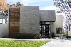 Navegue por fotos de Casas modernas cinza por aaestudio. Veja fotos com as melhores ideias e inspirações para criar uma casa perfeita.