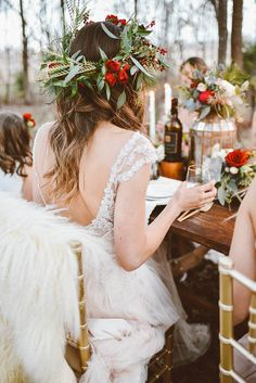 Today's inspiration is all about celebrating your girls. This winter bridesmaids party planned and photographed by Peyton Rainey Photography pairs the rust