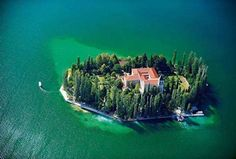 Visovac Island, Croatia By Visit Sibenik Limassol, Monuments, Just In Case, The Good Place, Beautiful Places, Beautiful Pictures, Funny Pictures, Random Pictures, Funny Pics