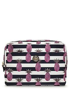 How to pack your makeup bag for EVERY kind of trip Cute Makeup Bags 3162094df65d7