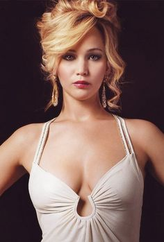 Jennifer Lawrence in 'American Hustle'. - Jennifer Lawrence in 'American Hustle'. Scarlett Johansson, Jennifer Lawrence Hot, Jennifer Lawrence American Hustle, Beauté Blonde, Actrices Hollywood, Woman Crush, Belle Photo, Beautiful Actresses, Beautiful Celebrities