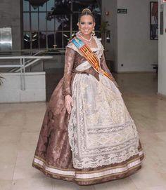 Modern Fashion, Desi, Apron, Saree, Regional, Folklore, 18th Century, Dresses, Brunettes