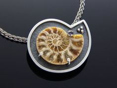 Fossilized Ammonite Pendant by Kat Kramer of glasskatz Viking Jewelry, Stone Jewelry, Pendant Jewelry, Concrete Jewelry, Druzy Jewelry, Shell Jewelry, Jewelry Crafts, Jewelry Art, Silver Jewelry
