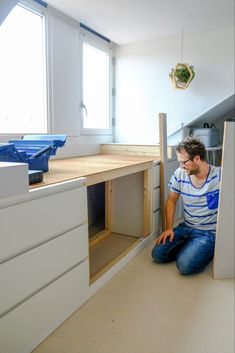 Ikea Hack Malm - A DIY bed bench made from MALM cabinets - A good story Bedroom Hacks, Ikea Bedroom, Malm Hack, Diy Bank, Malm Bed, Kitchen Ikea, Bed Bench, Ikea Shelves, Best Ikea