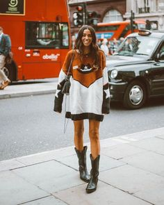 cowboy boots women outfits \ cowboy boots outfit ` cowboy boots ` cowboy boots women ` cowboy boots outfit with jeans ` cowboy boots outfit winter ` cowboy boots with dress ` cowboy boots women outfits ` cowboy boots outfit summer Fashion Mode, Fashion 2020, Look Fashion, Autumn Fashion, Fashion Outfits, Country Style Fashion, Fashion Hair, Fashion Trends, Street Fashion