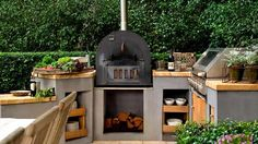 NZ Flower and Garden Show 2017 exhibitors share their tips on how to create an outdoor kitchen.