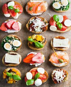 Quick Healthy Breakfast Ideas & Recipe for Busy Mornings Bruschetta plate by Alena Dziamyanka on open faced sandwiches for appetizers Quick Healthy Breakfast, Healthy Snacks, Breakfast Recipes, Healthy Recipes, Breakfast Ideas, Snacks Für Party, Food Platters, Appetisers, Coffee Break