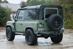 #Land Rover Defender by Himalaya