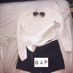 Gap white sweater Used a couple of times, this gap sweater goes well with a pair of navy blue shorts. GAP Sweaters Crew & Scoop Necks