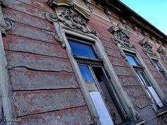 500px'te L.L. Vynterchilld tarafından Windows of an old building fotoğrafı