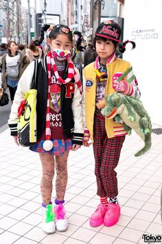 Fun Harajuku Girls w/ Gravity-Defying Braids, 6%DOKIDOKI & Teeth on Their Heads