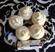 lemon cupcake and shokomonk white chocolate poppyseed frosting