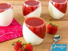 Recipe for a strawberry panna cotta - Rezepte - Dessert Quick Dessert Recipes, Easy Desserts, Sweet Recipes, Cake Recipes, Snack Recipes, Snacks, Strawberry Panna Cotta, Best Pancake Recipe, Health Desserts