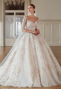 15 Spring Wedding Dress Inspiration - The power of bloom makes a great wedding. Here are three spring wedding dress inspirations for you that matches the season's vibe. Country Wedding Dresses, Black Wedding Dresses, Princess Wedding Dresses, Bridal Dresses, Modest Wedding, Wedding Gowns, V Neck Wedding Dress, Wedding Lace, Backless Wedding