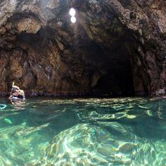 What a fantastic shot of The Caves at Norman Island
