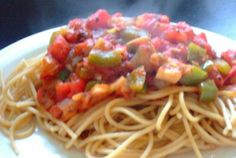 Delicious and Simple Garlic Lovers' Red Sauce! Full of the good stuff: veggies!