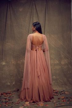 It's wedding season already so put on your lehenga and get ready to start this new year with a bang. Check out the most trendy and stylish blouse designs that you can totally take inspiration from. Indian Fashion Dresses, Dress Indian Style, Indian Designer Outfits, Fashion Blouses, Indian Blouse, Stylish Blouse Design, Fancy Blouse Designs, Designs For Dresses, Indian Wedding Outfits