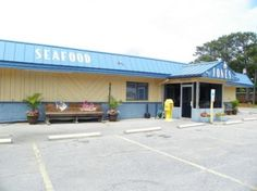 Jones Seafood | 6404 East Oak Island Drive | Oak Island, NC